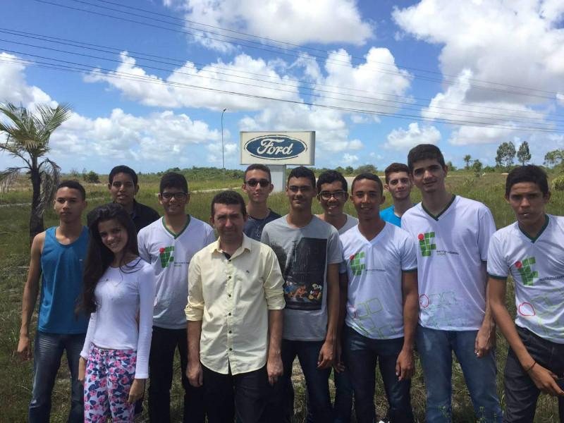 Fábrica da Ford recebe alunos de Eletromecânica do Campus Lagarto